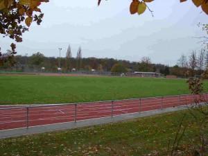 Sportplätze an der Schule mit Vereinsheim